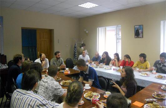 4 июля состоялась встреча представителей молодежного «Круга» г. Москвы и участников православных молодежных клубов Симбирска.