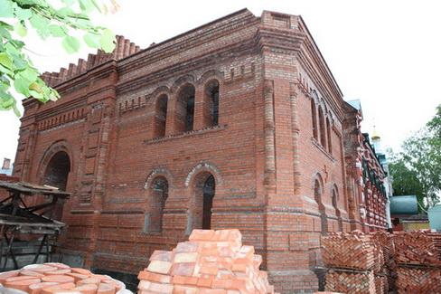 Продолжается строительство колокольни кафедрального Германовского собора