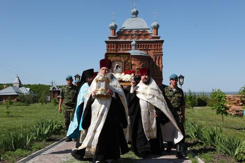 Крестный ход в Михайловском женском Комаровском монастыре