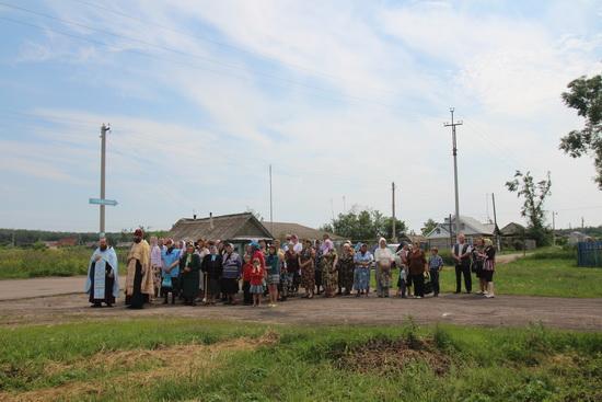 В селе Ст.Еремкино Крестный ход из Жадовского монастыря с чудотворным образом