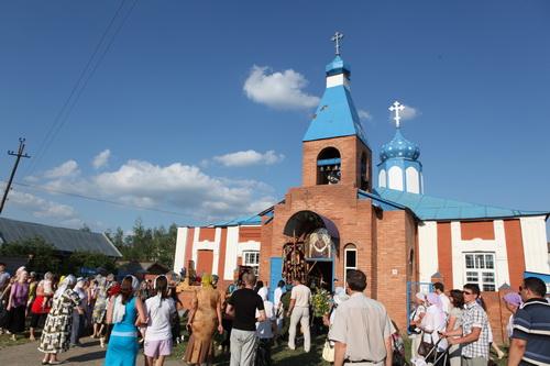 В пос.Павловка крестный ход с Казанской Жадовской иконой Божией Матери