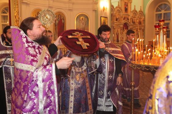 Праздник в Воскресенском Германовском соборе Воздвижения Честного и Животворящего Креста Господня.