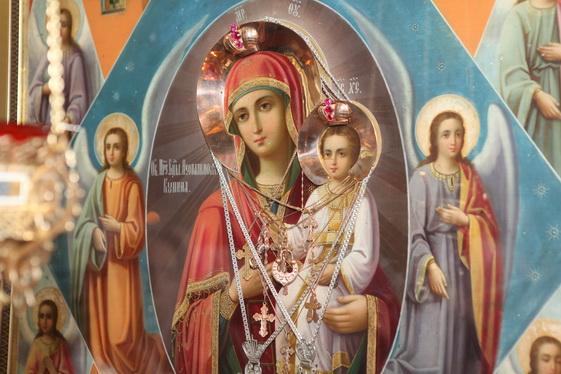 Праздник в храме Иконы Божией Матери «Неопалимая Купина»