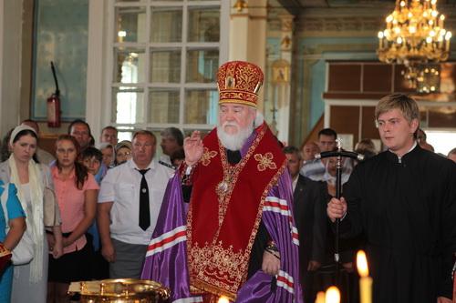 Архиепископ Симбирский и Мелекесский Прокл 31.08.11. в селе Оськино