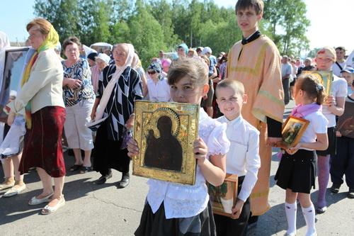 Крестный ход из Свято-Богородице Казанского Жадовского монастыря в п. Ишеевка